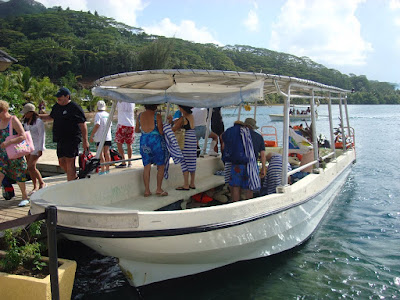 The boat we went snorkling on