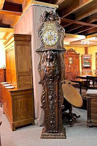 Большие резные напольные часы. Франция 19-й век. 8900 евро.