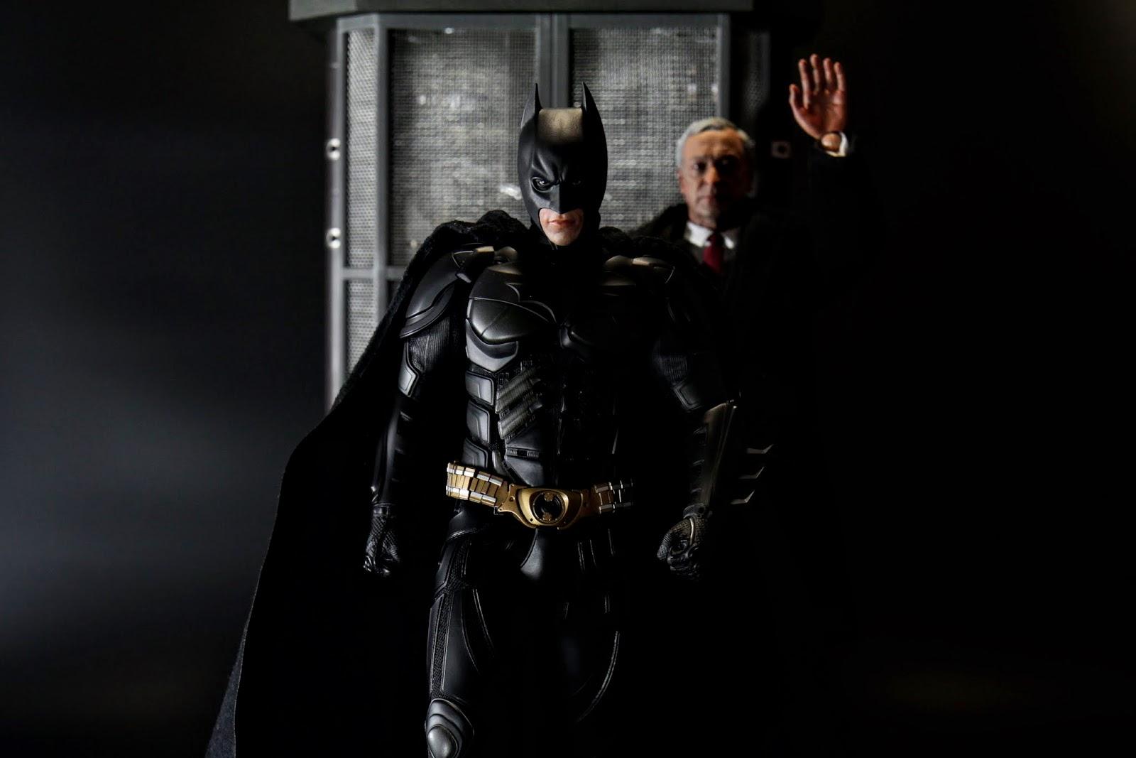 """""""少爺路上小心~不要踩到蝙蝠屎呀~~"""""""