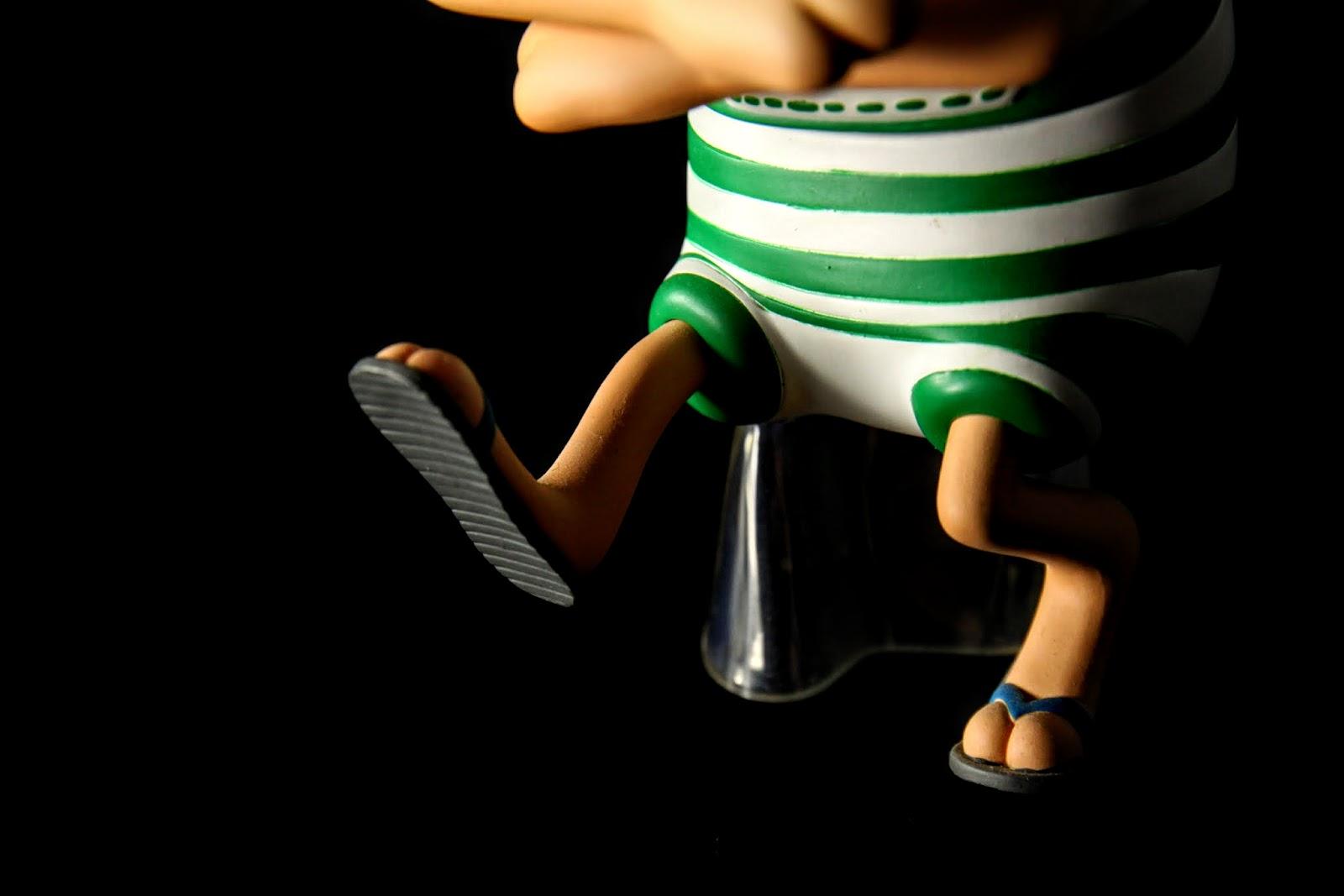 不要吝嗇你的腰力與膝蓋, 奮力地彎下去及踢出去吧!