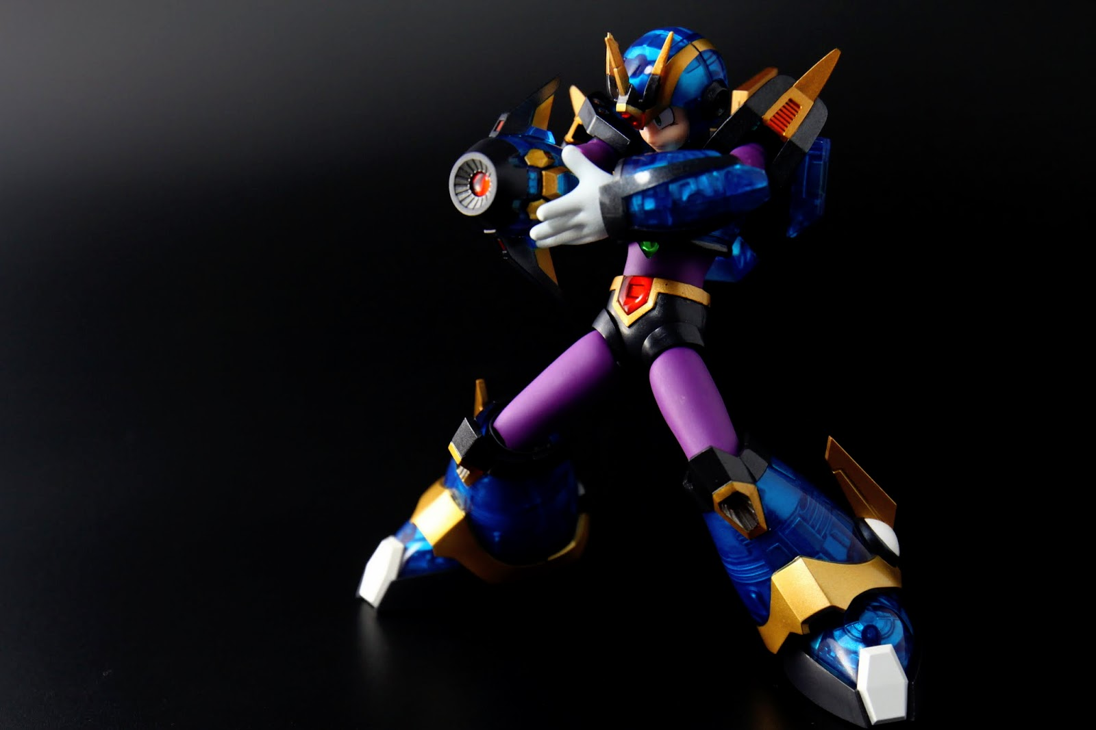 X4裡拿到究極鎧甲後很少再用手砲攻擊了,雖然攻擊力也很誇張