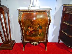 Расписной комод 19-й век. Мрамор, бронза, роспись. 88/43/106 см. 4900 евро.