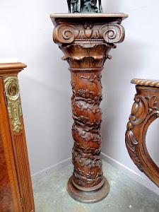 Антикварная резная колонна. 19-й век.