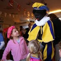 Sinter Klaas in de speeltuin 28-11-2009 - PICT6766