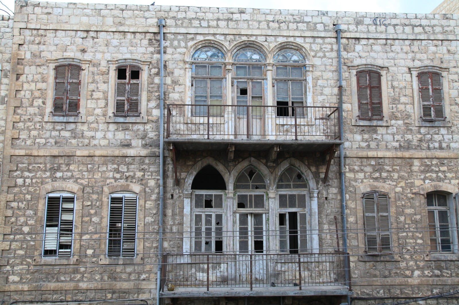 Abandoned building in Haifa opposite from the Port Inn