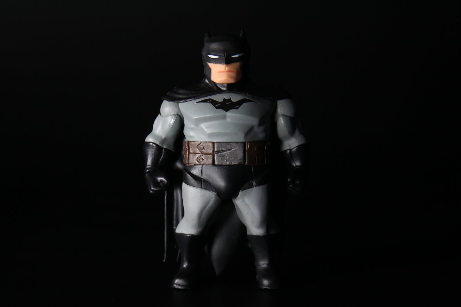 BATMAN本體,非常五短壯碩方塊肌