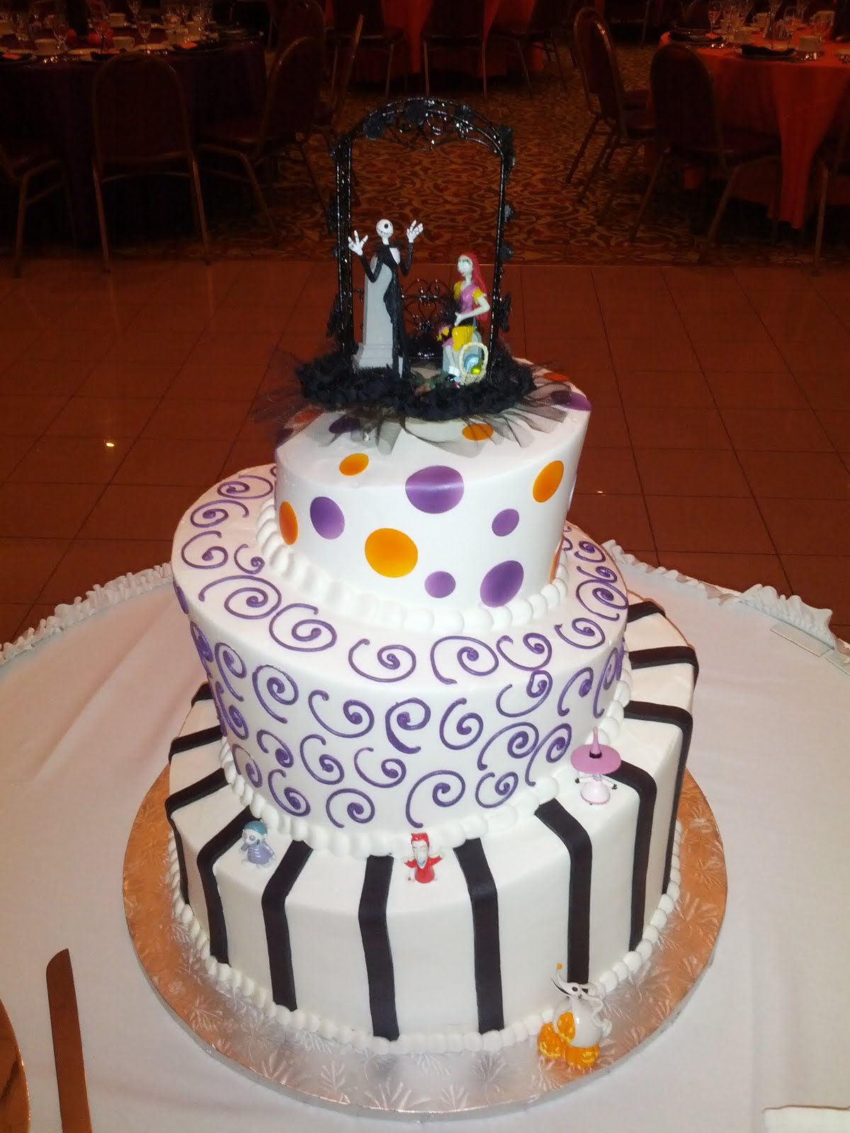 Wedding - Halloween - Round - Topsy/Turvey - Level3