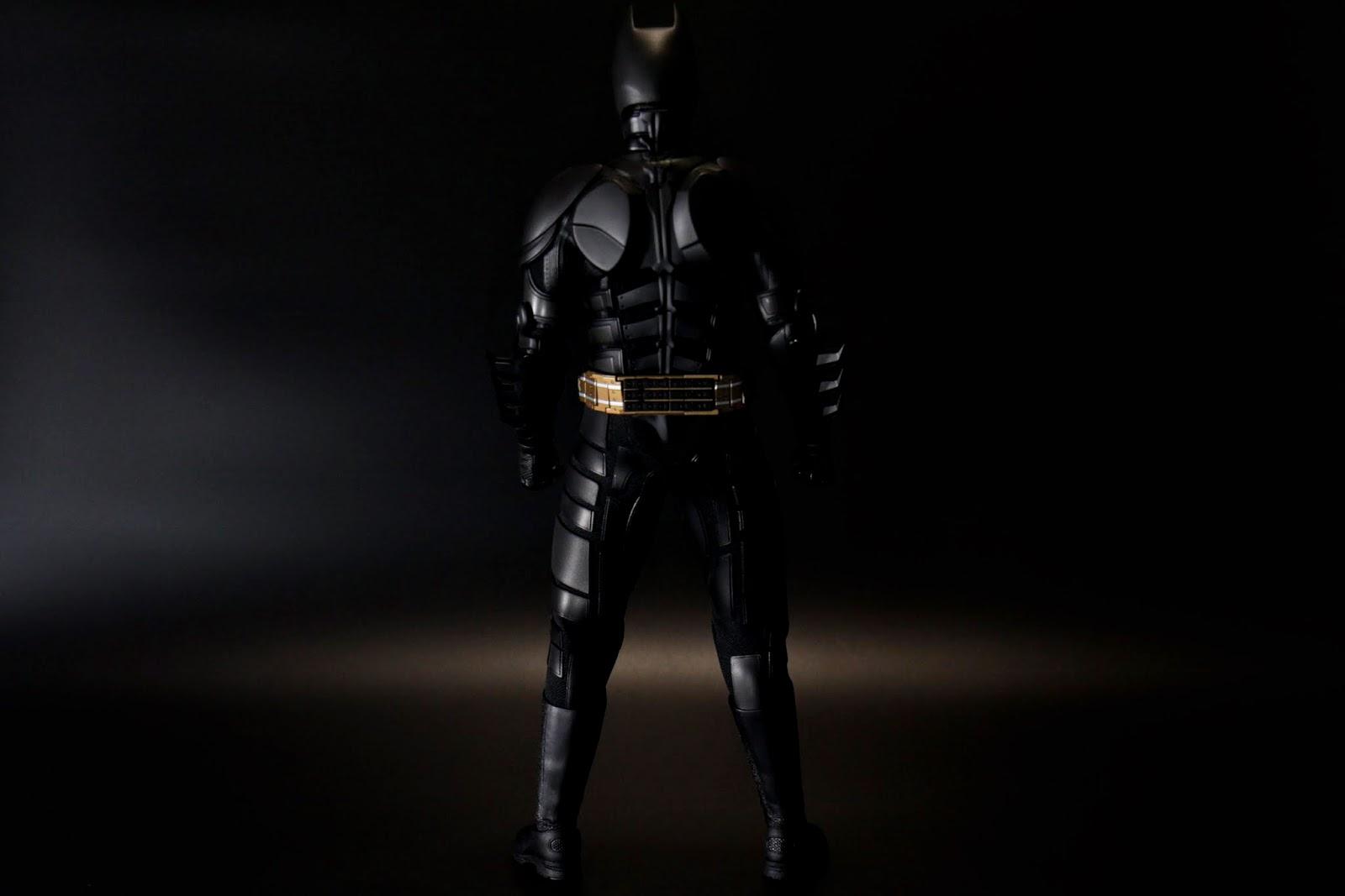 這個蝙蝠俠素體就常駐在武器櫃裡用