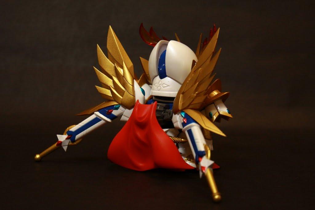 披風因為兩隻翅膀跟刀鞘變小了,還有這刀鞘也太長了吧