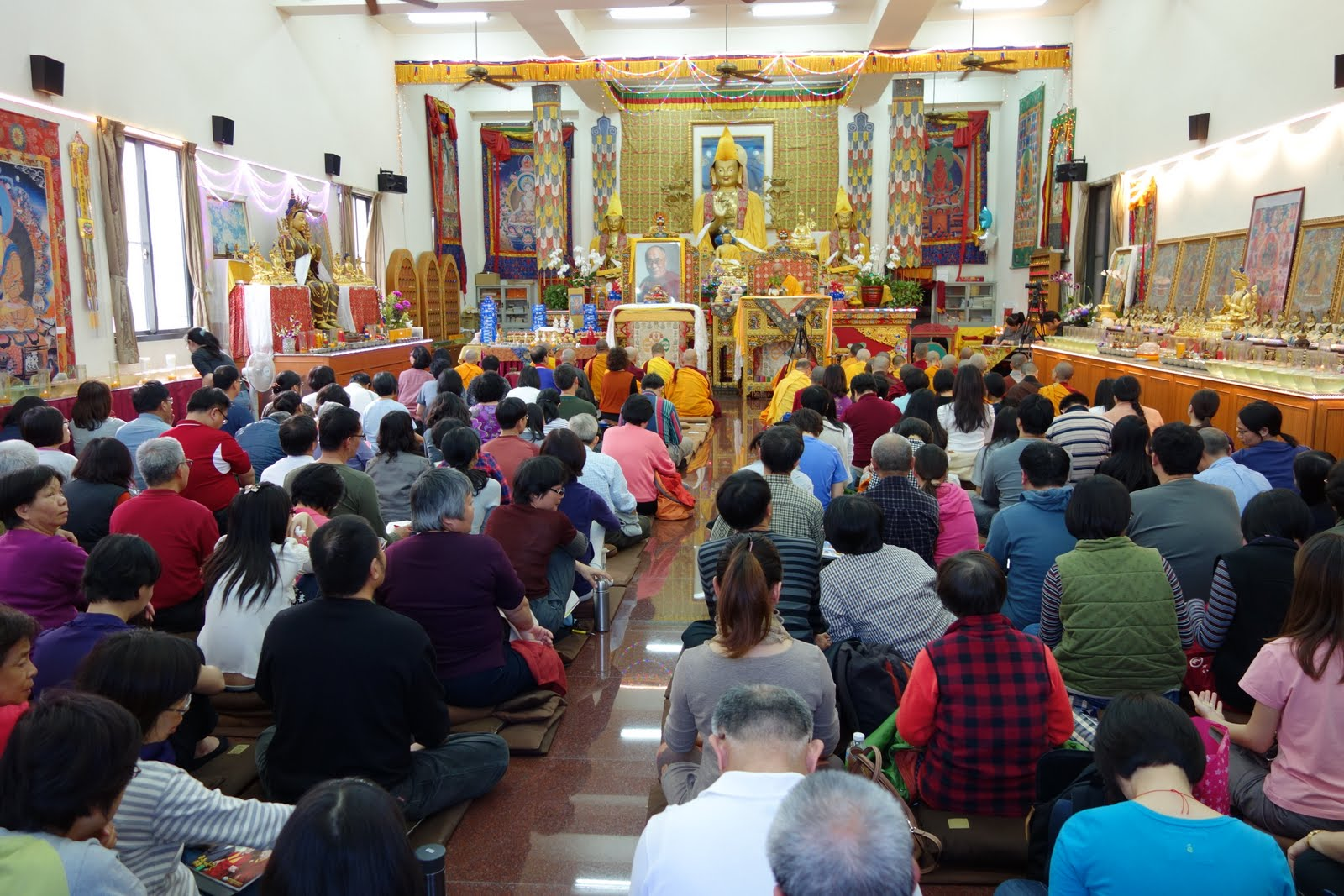 Pujas with LZR in SHakyamuni C. feb 2013