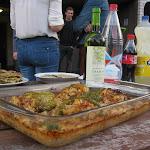 Holky z Albánie upekly plněné papriky s rýží.--