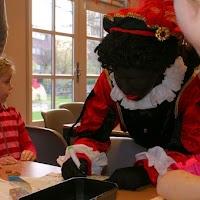Sinter Klaas in de speeltuin 28-11-2009 - PICT6768