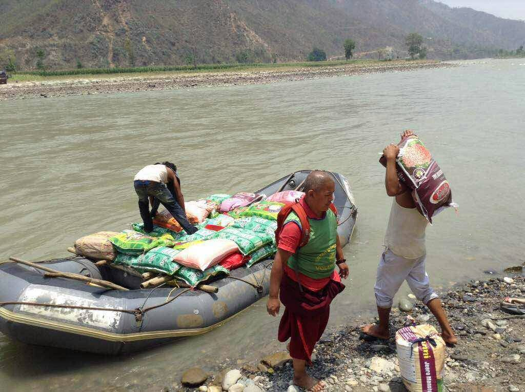 In spite of danger and difficulty, Kopan Helping Hands offered aid to the eleven most affected districts of Nepal.