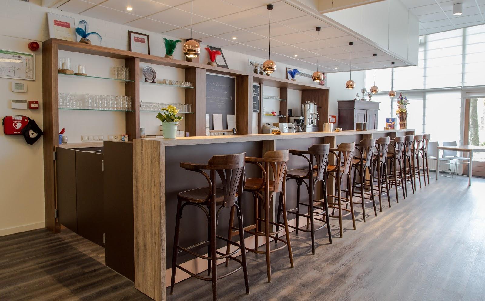 Buurthuis de Badde Nieuw-Weerdinge: Buffet / Bar
