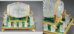 Антикварный бочонок для ликёра. ок.1820 г. Хрусталь, бронза, золочение, малахит. 32/29/38 см. 22000 евро.