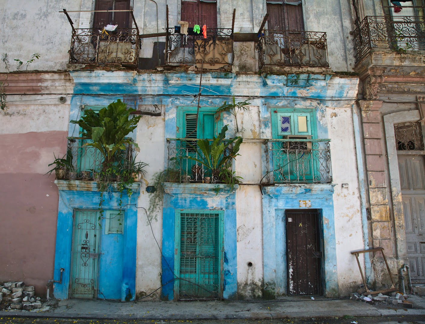 Havana has beatiful architecture, but it is deteriorating