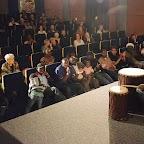 10_Public nombreux face au percussionniste Madou KOTE (droite).jpg