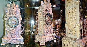 Антикварные часы из кости. 19-й век. Высота 44 см. 6500 евро.