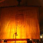 Loď Kon-Tiki, na níž tentýž člověk přeplul Tichý oceán