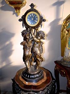 Большие антикварные часы 19-й век. Мрамор, шпиатр. Высота 76 см. 2900 евро.