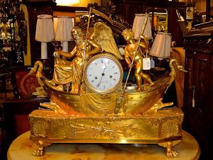 """Антикварные часы """"Лодка Хронос"""" Любовь и время """". ок.1810 г. Бронза, золочение. В оригинальном состоянии. 15000 евро."""