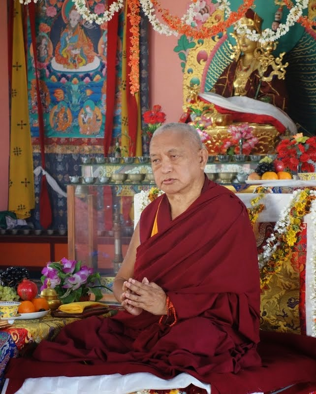Lama Zopa Rinpocheteachingandgivingoraltransmissionsto childrenfrom Ladakh at Sera Monastery, India, January 2014. Photo byVen. RogerKunsang.