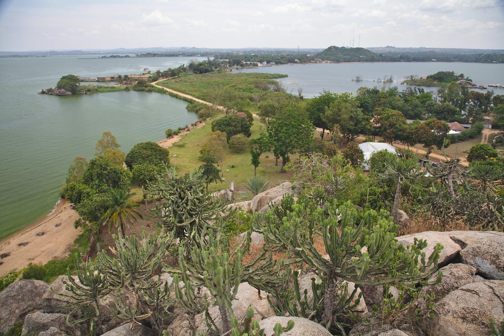 Lake Victoria all around