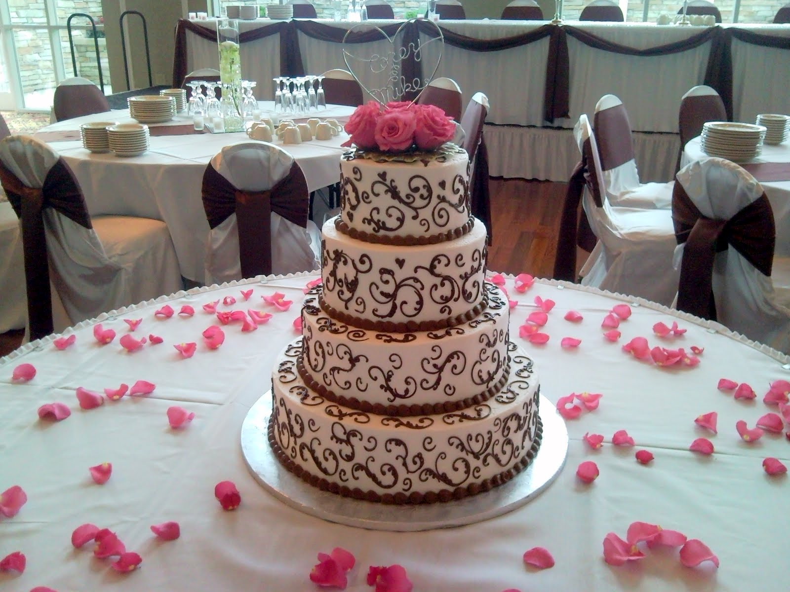 Wedding - Extravagance 1 - Round - Level2
