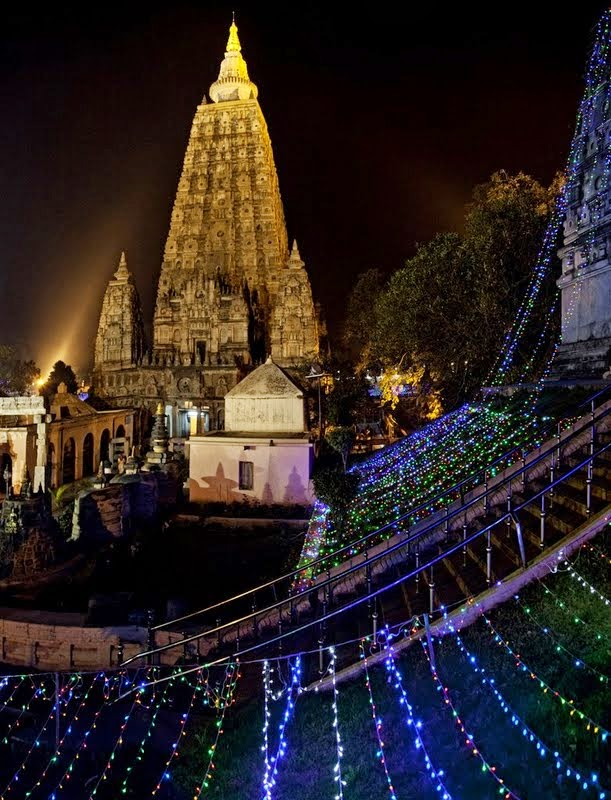 Light offerings at Mahabodhi Stupa, part of Root Institute's Festival of Light and Merit, Bodhgaya, India, March 2014. Photo by Andy Melnic.