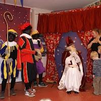 Sinter Klaas in de speeltuin 28-11-2009 - PICT6842