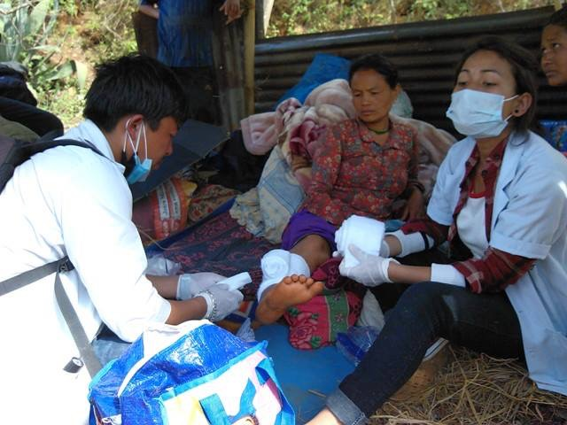 Basic medical care provided. Photo courtesy of Losang Namgyal Rinpoche Foundation.