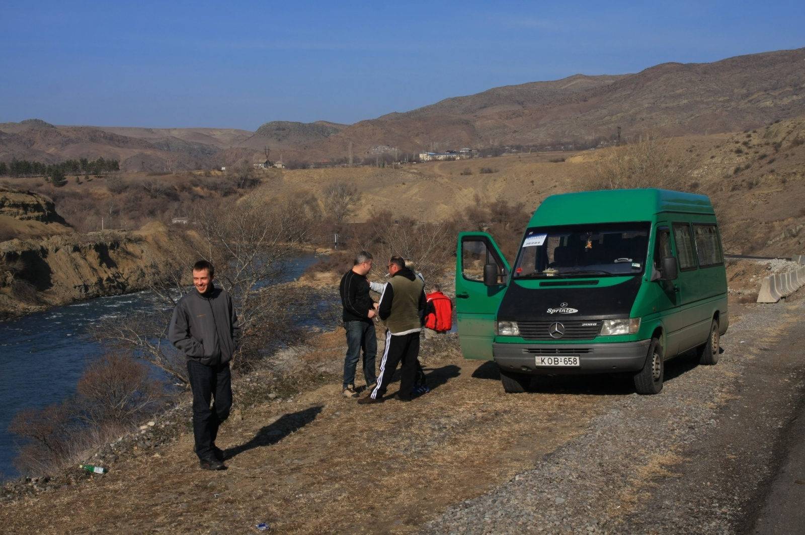 Piss and wine stop on the way to Varzdia, towards the Turkish border