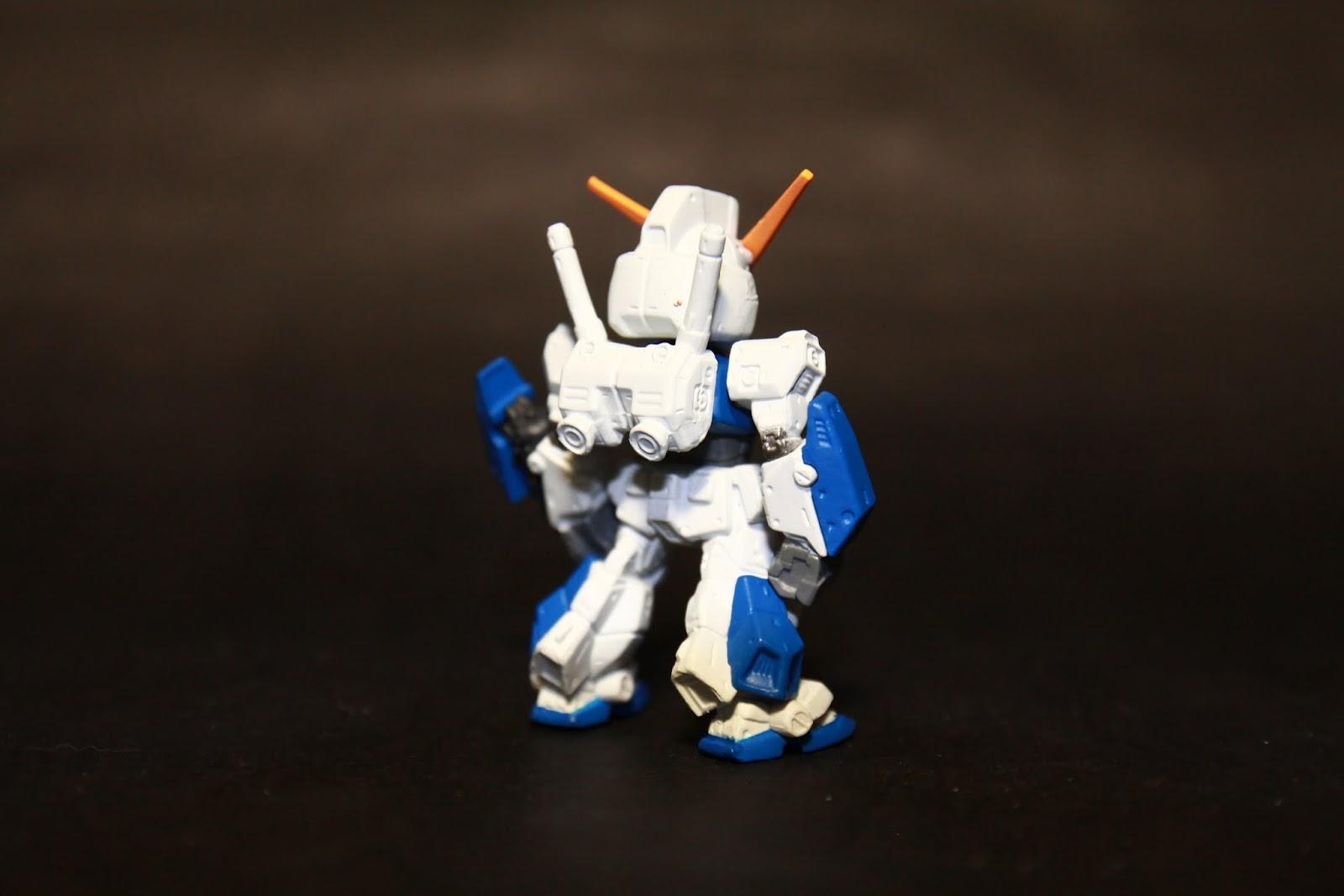 但其實NT-1本身的設計蠻洗鍊的 全裝甲型態反而看了覺得很笨重