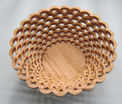 Hard Candy Dish John A. Nelson Creative woodworks & Crafts April 1999 Red Oak
