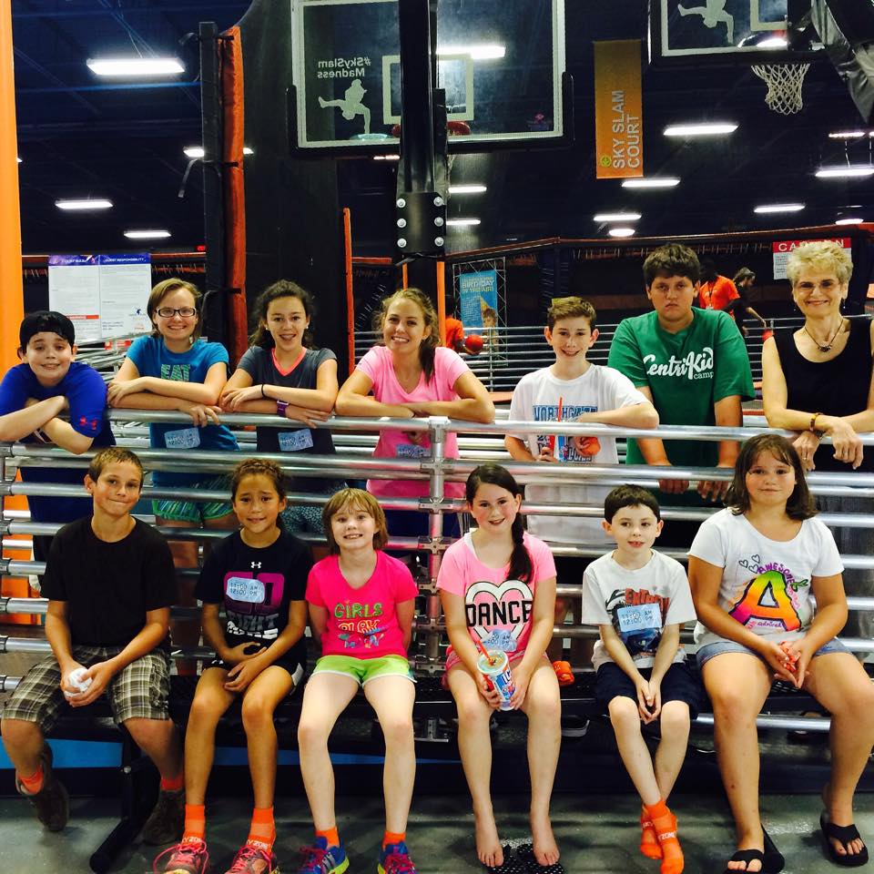 Kids go to Skyzone