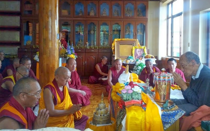 From left: Dagri Rinpoche, Lama Zopa Rinpoche, Özer Rinpoche and Khyongla Rato Rinpoche, Osel Labrang, Sera Je Monastery, India, January 2014. Photo by Ven. Gyalten Samten.