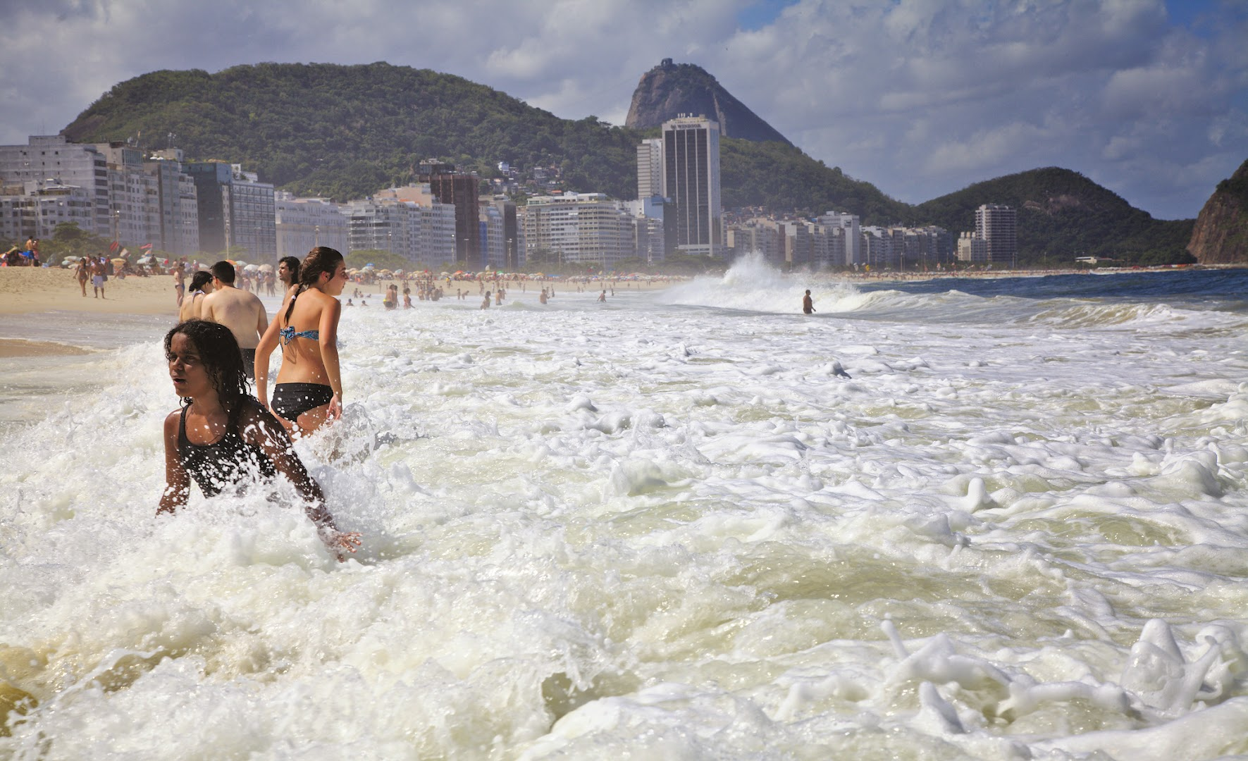 Waves are never small in Rio