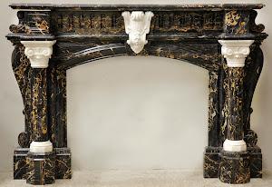 Красивый мраморный портал для камина. 19-й век. 210/40/141 см.