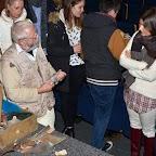 Soirée Goulag_7_André SUGNAUX et la valise en bois contenant quelques objets qui se trouvaient dans les goulags.JPG