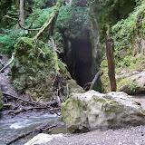 Výlet na Rudické propadání - potok se zde ztrácí do asi 12 km dlouhé podzemní jeskyně
