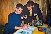 Journée du Livre 12 Ambiance, Franck avec un auteur, Radio Télé Festival, Cossé 2002