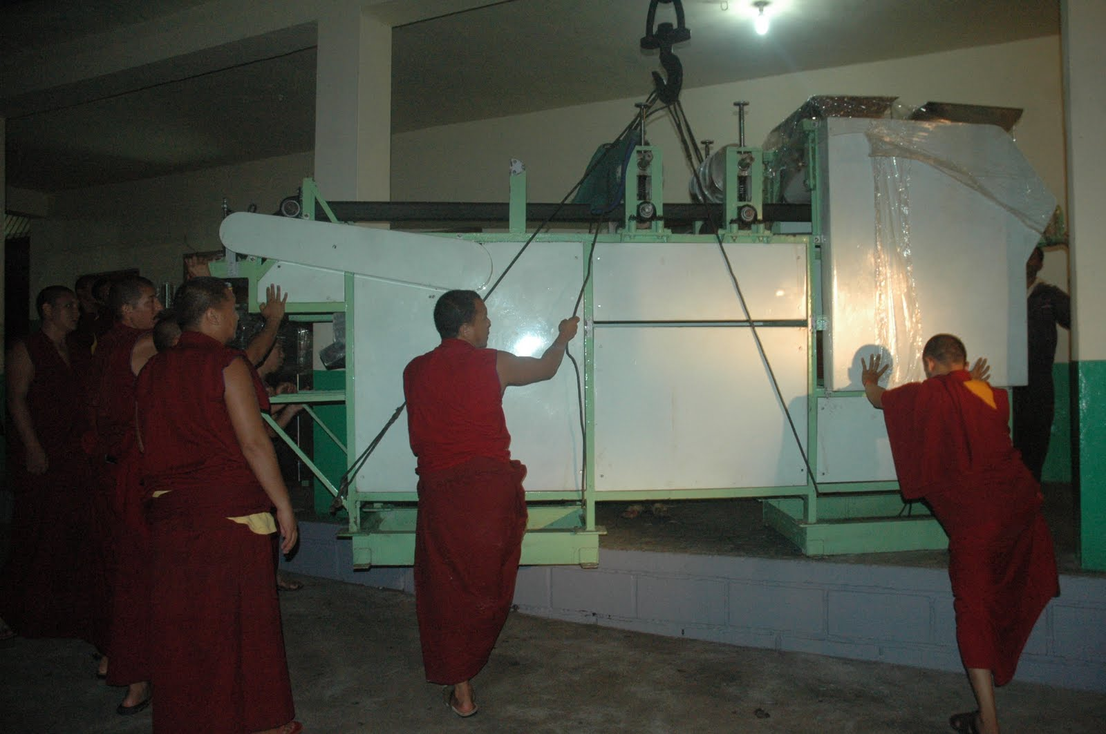 The arrival of the new bread making machine to Sera Je kitchen