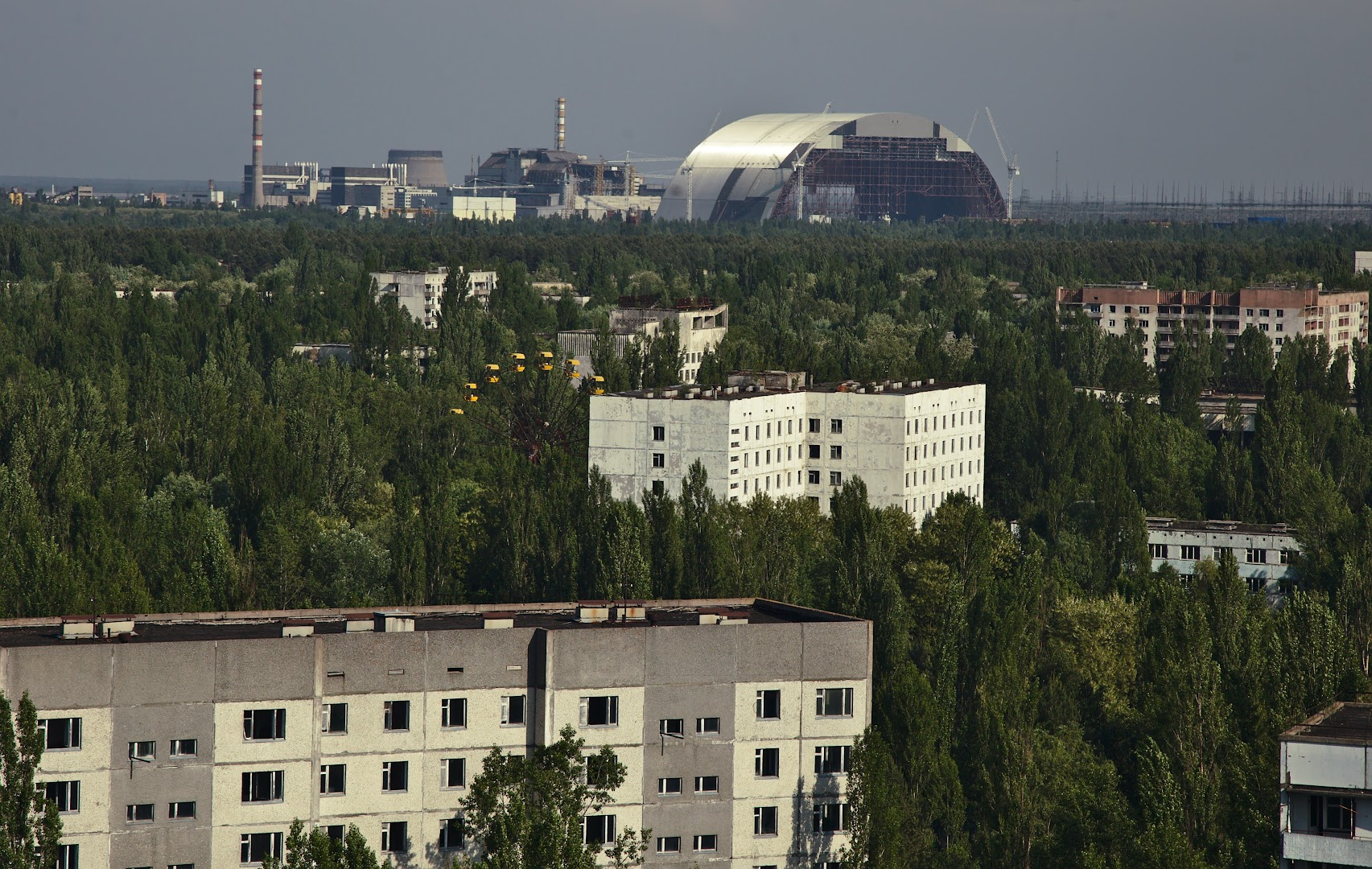 The reactor and the sarcophagus are 9 km away