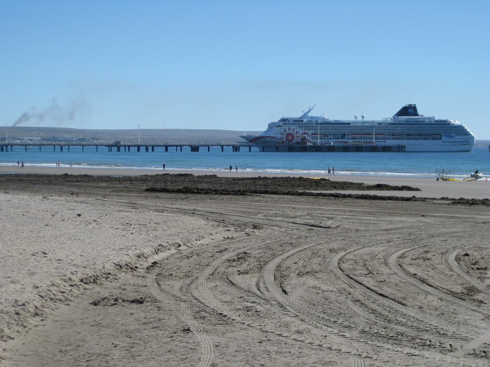 Cruise ships stopping for the day
