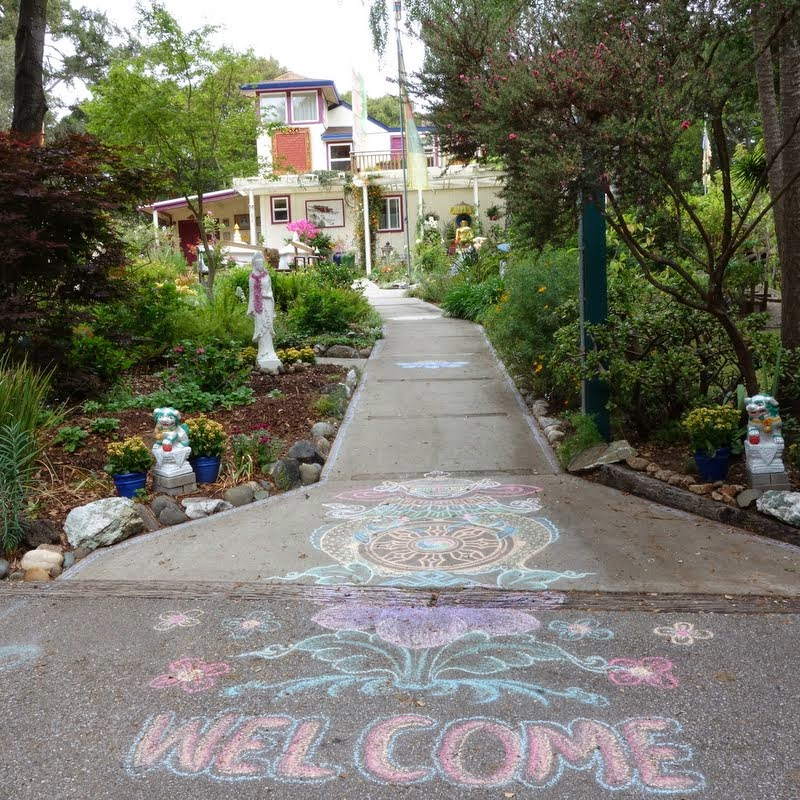 Welcoming Lama Zopa Rinpoche back to Kachoe Dechen Ling, Aptos, California, May 2014. Photo by Ven. Roger Kunsang.