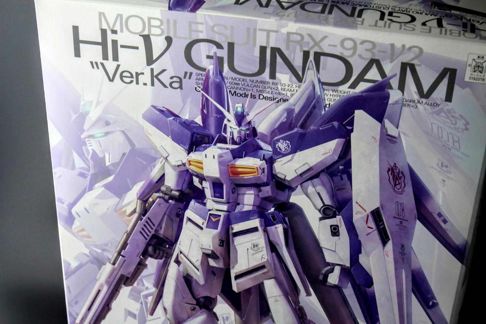 """千呼萬喚始出來:Hi Nu Gundam,雖然是掛""""Ka"""",不過造型與07年發售的版本不同,是以當年形象稿的樣式去設計的"""