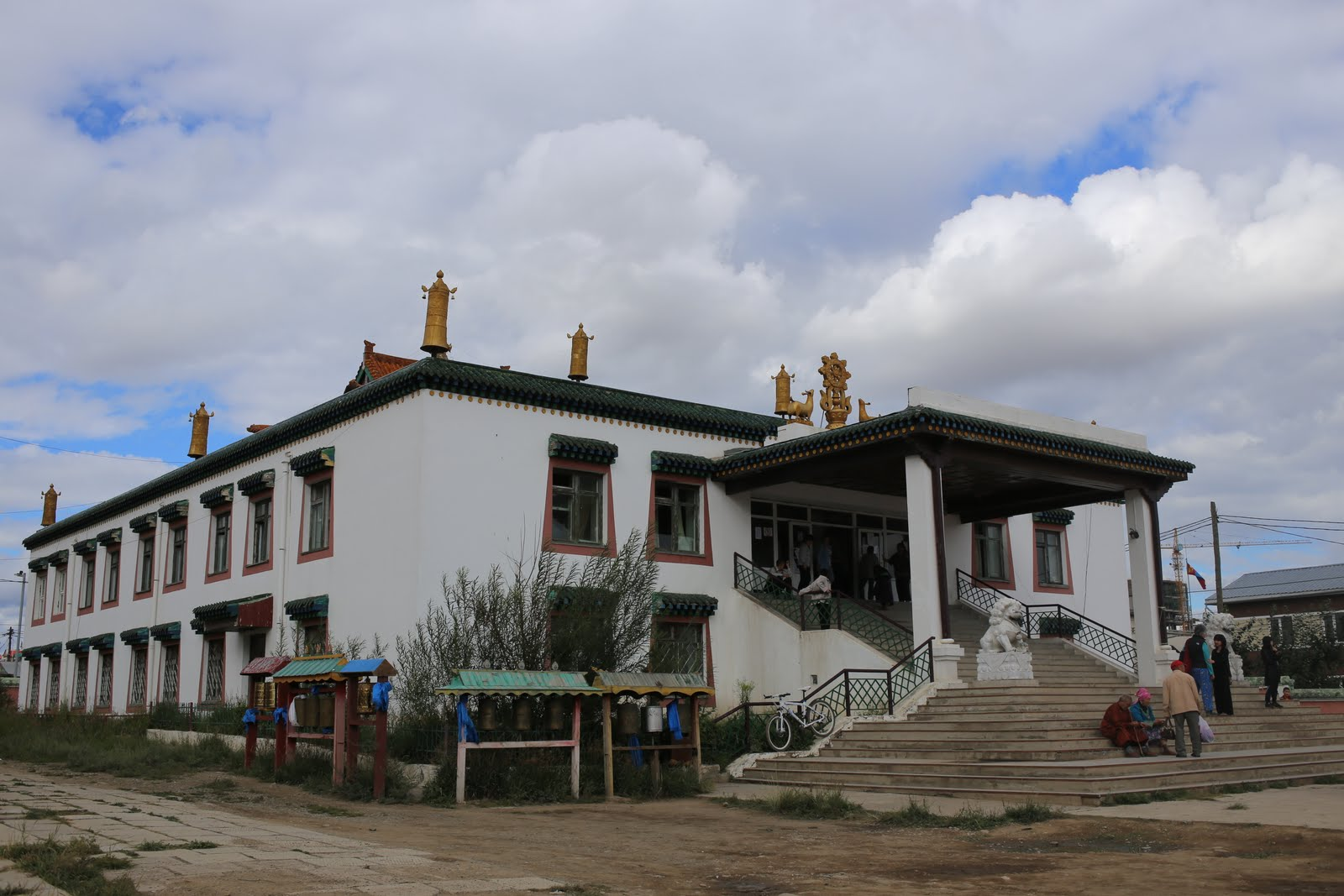 August, 2013: This is Idgaa Monastery where the 100 Million Mani Retreat happened. Rinpoche/FPMT built and sponsored the monastery. Idgaa is officially a part of Sera Je monastery. It holds up to 1000 monks.Photo: Ven.Thubten Kunsang.