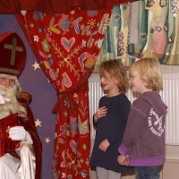 Sinter Klaas in de speeltuin 28-11-2009 - PICT6801
