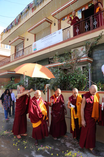 Lama Zopa Rinpoche arriving at Choe Khor Sum Ling, Bangalore, India, January 2015. Photo by Ven. Thubten Kunsang.