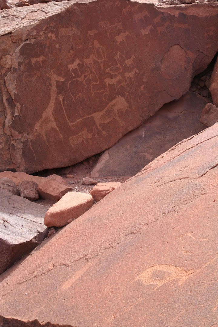 Stone engravings at Twyfelfontain (thousands of years old)